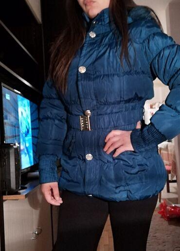 Brutalna jakna postavljena, sa krznom s, m velicine, kao nova