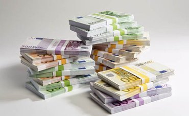 Novac nudi uslugu osobama u potrebi Kontaktirajte nas putem e-maila - Trstenik