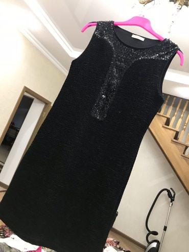 Черное платье Promod с поэтками. Размер стандартный. в Бишкек