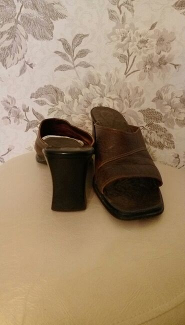 Кожаные удобные босоножки, каблук 7.5 см