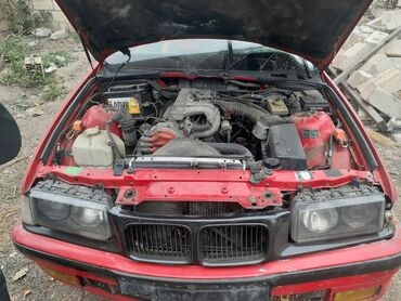 BMW - Azərbaycan: BMW 318 1.8 l. 1993   333000 km
