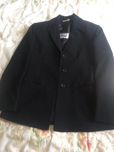 Женский пиджак черного цвета одевала окуратно немного почти новый в Бишкек
