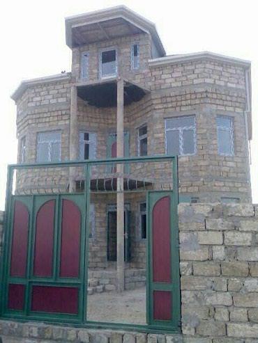 Bakı şəhərində Tecili kupcali 5 otaqli yarim tikili villa satilir.