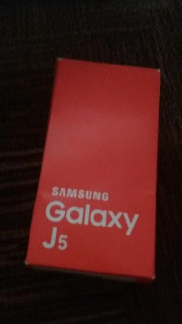 Mobilni telefoni i aksesoari | Bogatic: Novo Samsung Galaxy J5 zlatni