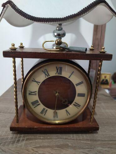 Продаю советские часы антиквариат. С ключом. Посмотрите профиль. Много