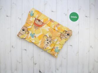 Дом и сад - Украина: Дитяча подушка з звірятами    Розмір: 47 х 32 см  Стан гарний