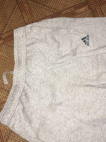 sport forma adidas в Кыргызстан: Продам абсолютно новые спортивные штаны adidas фирменные покупали
