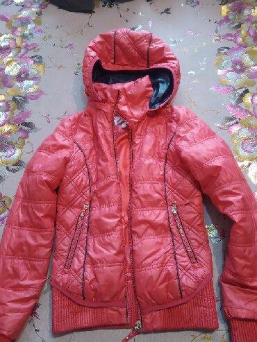 Деми куртка на девочку 8-9-10 лет в хорошем состоянии