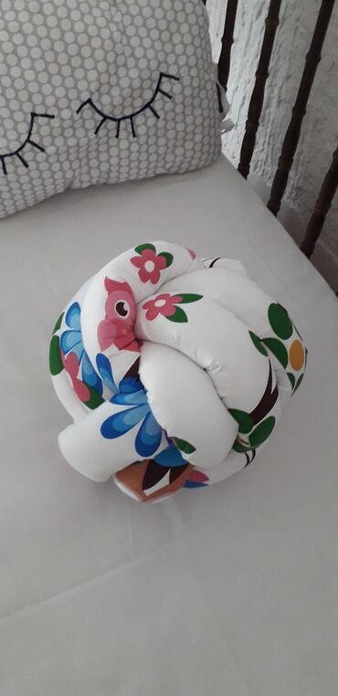 Klupe - Srbija: Jastuk klupko Jastuk neobicnog oblika ukrasice svaki prostor u kome se