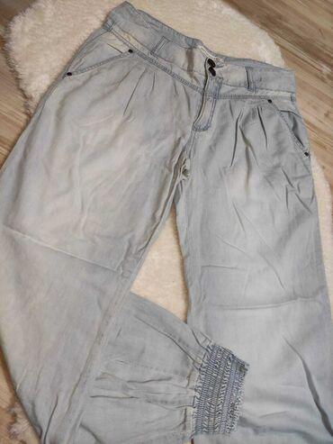 Struka teksas - Srbija: Prelepe pantalone/farmericeNošene su jednom. Na zadnjoj strani ispod