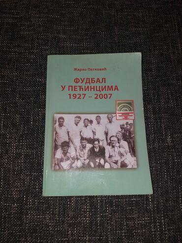 Pecinacki fudbal knjiga,od 1927 do 2007 godine fudbala,kniga ima puno