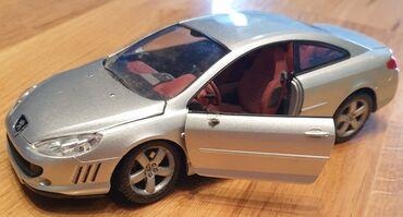 Auto gume - Srbija: PEUGEOT - Pežo 407 automobilcic igračka. Srebrni auto. Veliki je