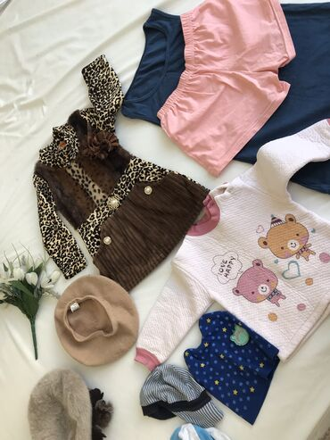 теплые шорты в Кыргызстан: За всё. вещи в отличном состоянии . некоторые новые   1.Платья тигро