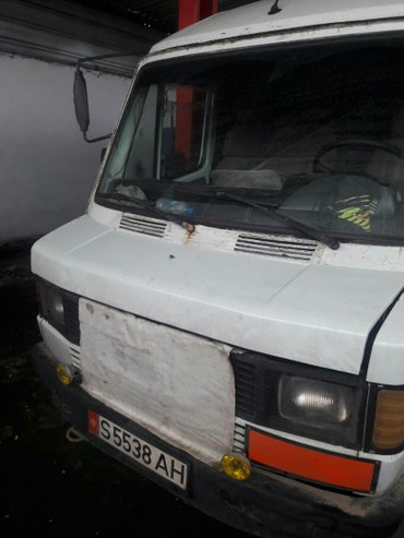 мерседес бус, грузовой... мотор 602 родной... в Бишкек