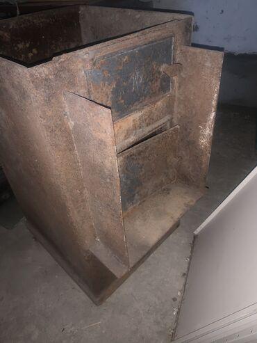 Печи и камины - Кыргызстан: Продаю печку в баню с баком. Толщина листа 6ммПечь: 79(высота).Бак