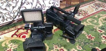 sony hdv 1000 в Кыргызстан: Срочно продаю две камеры sony sd 1000. +1прожектор, 1штатив. Цена