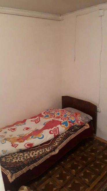 Bakı şəhərində Əmircanda 2 otaqlı həyət evi kirayə verilir. Ev təmirlidi. hamam