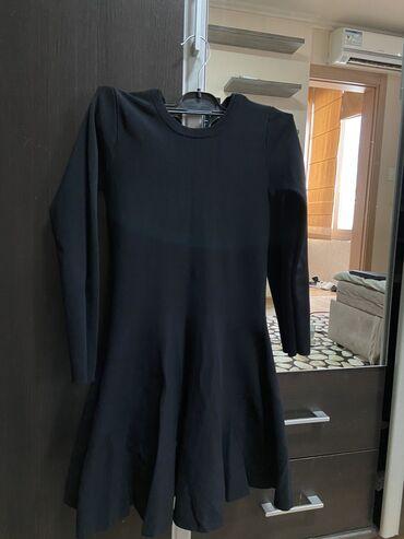 Шикарной чёрное платье в продаже, можно носить и как на выход и на пов