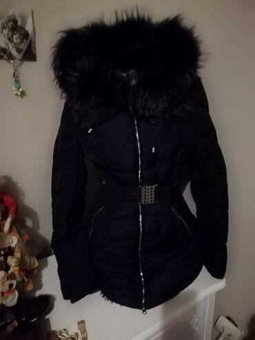 Nova topla zimska jakna Prelepa teget plava sa teget krznom Jako