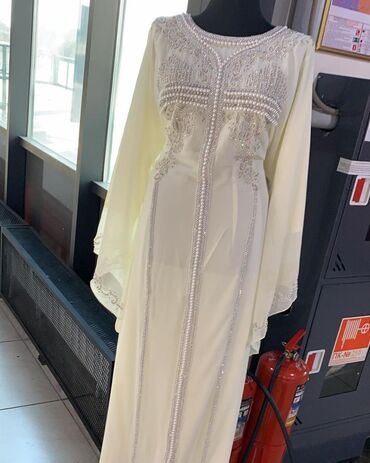 Личные вещи - Кой-Таш: Абайка (Дубайское платье), куплена в Алмате. Одевано единожды (на кыз