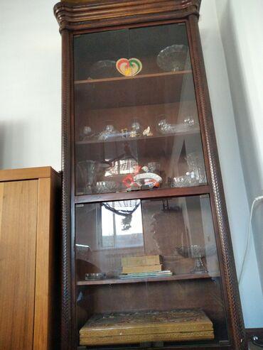 Продаю 3 шкаф сервант ручной работы с кожным переплета дерево (б/у)