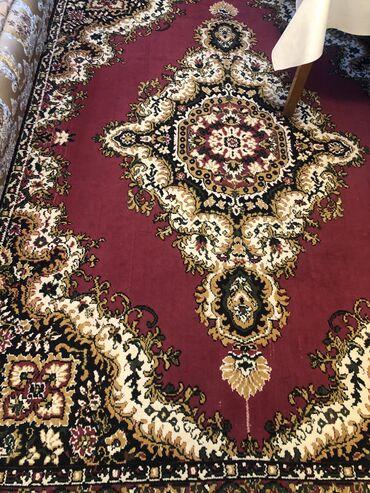 Продаю ковёр! Размер 3х235   Торг уместен. Пишите Ясмина
