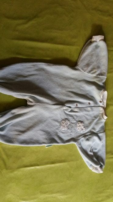 Pocepane na kolendublji - Srbija: Zeka za bebe vel.3-6m,polovan i samo 100din zbog jedne zute fleke koju