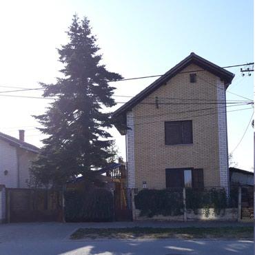 Kuća sa tri stana, na Telepu. Jedan stan zahteva adaptaciju. - Novi Sad