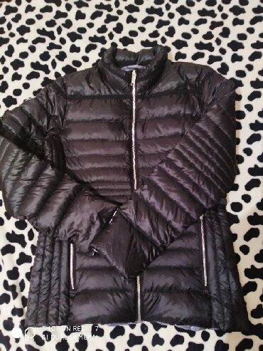 Новая деми куртка, пуховик, очен лёгкая и теплая, 44-46 размер, Уни