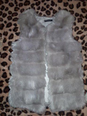 Женская одежда в Чолпон-Ата: Продаю жилетку из искуственного меха .1000 сом. Чолпон ата