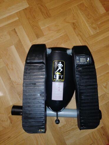 Trenažer za vežbanje(zatezanje nogu i jačanje mišića) upotrebljen dvap