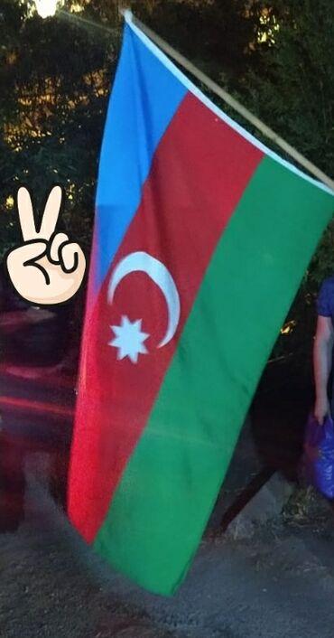 pulsuz elan vermek - Azərbaycan: Kimde elave bayraq varsa pulsuz vermek isdese elaqe saxlasin zehmet