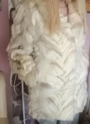 Krzneni kaputi | Srbija: Bunda od pravog krzna polarne lisice u izuzetnom stanju, modernog kroj