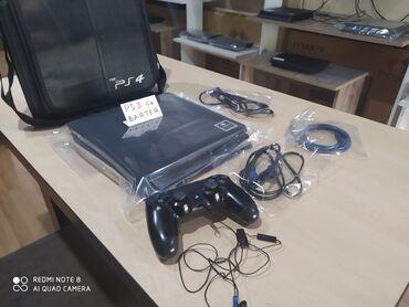 almaq - Azərbaycan: SONY PlayStation 4 slim 1 TB, üstündə PS4 çanta, qulaqcıq və 1 joystik