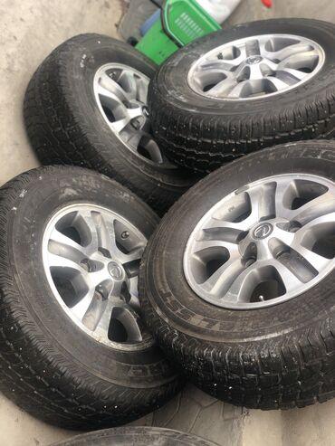 Диски от Lexus lx 470 на зимней шипованной резине в хорошем состоянии