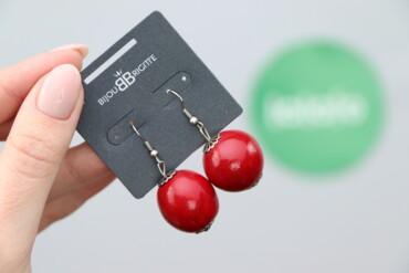 Жіночі сережки з червоними кульками     Довжина: 4 см  Стан дуже гарни