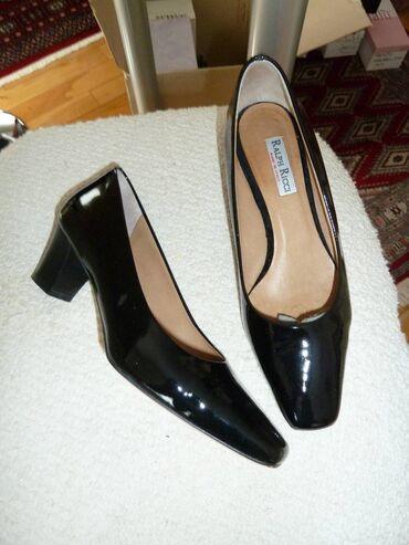 181 oglasa | ŽENSKA OBUĆA: Zenske lakovane cipele, skoro nove, malo nosene, broj 36