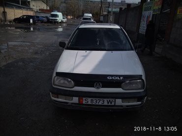 Volkswagen Golf 1994 в Бишкек