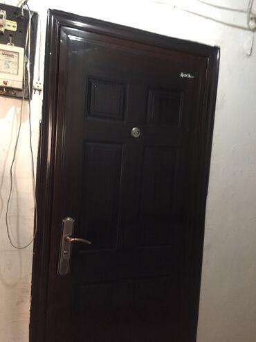 Кыймылсыз мүлк - Кыргызстан: Продаю комнату секционного типа 1/5 этаж.11 кВ метров только