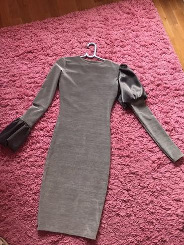 Haljine   Novi Sad: Siva haljina uz telo sa puf satenskim rukavima. Elegantna i moderna.Ma
