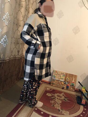 корейская одежда бишкек в Кыргызстан: Новый!!!!Корейский. Размер чуть маломерит. 54размер!На кнопках! Район