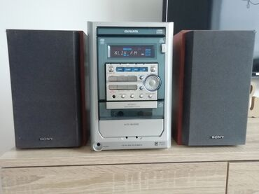 Bermude n - Srbija: Muzička linija Aiwa XR M121. linija ima radio FM, cd, dek za kasete