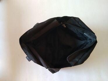 Laptopovi - Srbija: ADIDAS torba,stanje kao na slikama. Cena 300,00 dinara