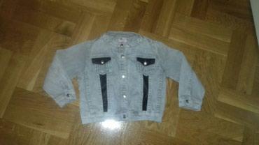 Suknja duzina - Srbija: Prelepa mekana teksas jaknica sa elastinom u super stanju.Velicina