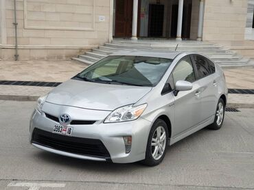 Автомобили в Бишкек: Toyota Prius 1.8 л. 2020 | 190 км