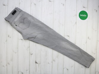 Жіночі джинси Levis, р. S    Довжина: 97 см Довжина кроку: 71 см Напів