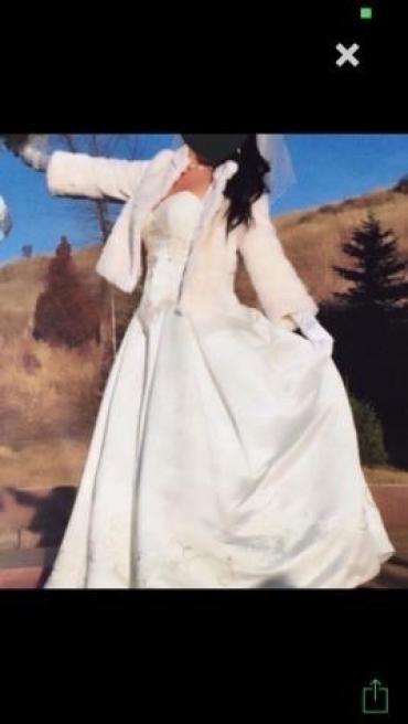Платье вышито вручную дизайнером из сша в Бишкек