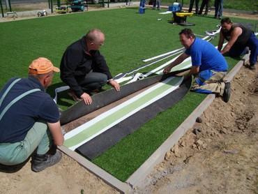 жидкий газон бишкек в Кыргызстан: Работа по устройству искусственного газона на мини футбольные поля