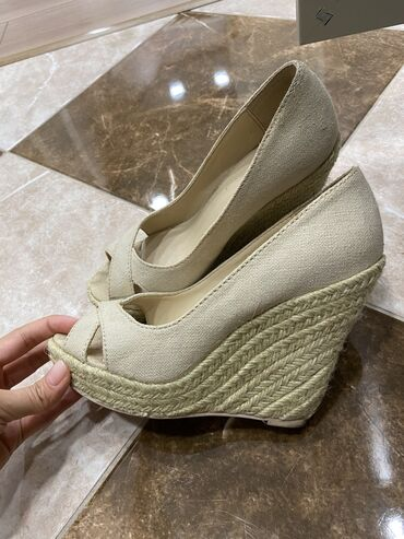 Туфли MANGO, 37 размер б/у, состояние хорошее