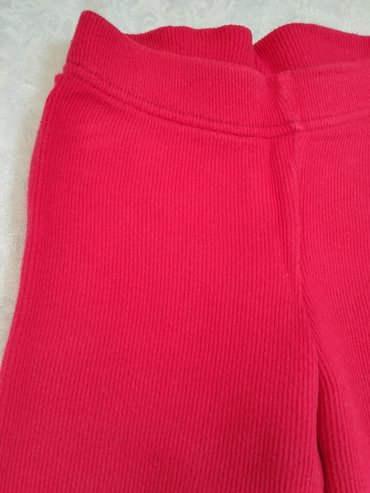 Dečije Farmerke i Pantalone   Vranje: Vrlo kvalitetne pamučne pantalone vel 4, crvene boje za toplije dane